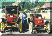 allen blazick's 1910  model 70 and 1909 model r stanleys.jpg (51460 bytes)